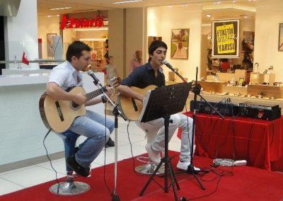 Bulut Ve Mustafa İle Canlı Müzik Keyfi